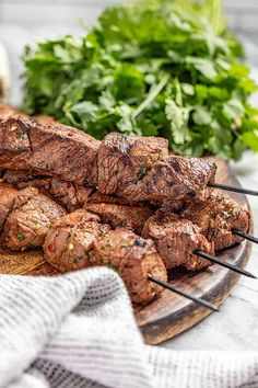 Marinated Beef Kabobs, Shish Kabobs, Kebabs, Skewers, Steak Recipes, Cooking Recipes, Steak Sides, Stay At Home Chef, Grilling