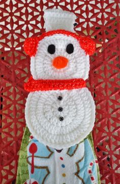 #Crochet snowman towel topper free pattern from DragonflyMomof2