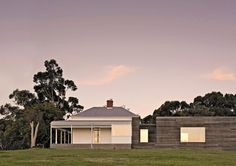 Courtyard House in Gippsland by Studio Moore