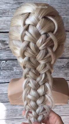 French braid Source by Girlygoalss fashion videos French Braid Hairstyles, Easy Hairstyles For Long Hair, Braids For Long Hair, French Braids, French Braid Into Ponytail, French Braid Styles, Dutch Braids, French Hair, Wedding Hairstyles