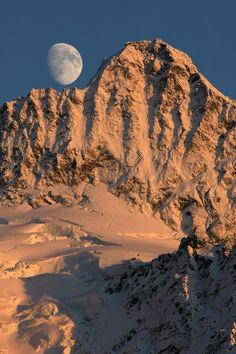 Moonrise over Mount Shuksan at sunset, North Cascades. Takeshi Sugimoto