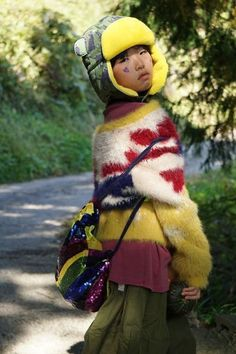 Little Hotdog Watson - Arctic Cub: Sophisticat. Tap to shop this cool kids winter trapper hat! Credit: @pasteque_retro @alegremedia #littlehotdogwatson #kidswinterhats #christmasgiftsfortoddlers #christmasgiftsforkids #childrenschristmasgifts #giftsforkidsunder$30 #christmaspresentsforkids #practicalchristmasgiftsforkids #holidaysgiftsforchildren #nontoychristmasgifts #plasticfreechristmasgifts Childrens Christmas Gifts, Christmas Presents For Kids, Kids Christmas, Kids Winter Hats, Cosy Winter, Christmas Present Inspiration, Cubs Hat, Trapper Hats, Stylish Kids