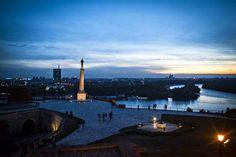 Pogled na spomenik Pobednik i Novi Beograd Novi Beograd, Belgrade Serbia, Cn Tower, Find Image, New York Skyline, Stock Photos, City, Building, Travel