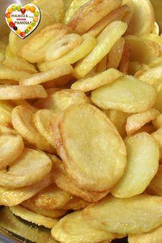 Delle squisite patatine croccanti al forno che piaceranno a grandi e bambini adatte per accompagnare i secondi piatti più sfiziosi!
