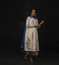 Pakistani Formal Dresses, Pakistani Fashion Party Wear, Pakistani Outfits, Indian Dresses, Indian Outfits, Embroidery Suits, Embroidery Fashion, Embroidery Leaf, Embroidery Designs