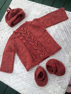 Leaf Love Baby Sweater – Free Pattern (Beautiful Skills – Crochet Knitting Quilt… - Knitting Projects for Kids Baby Sweater Patterns, Baby Patterns, Knitting Patterns Free, Knit Patterns, Free Knitting, Free Pattern, Baby Cardigan Knitting Pattern Free, Cardigan Pattern, Crochet Baby Sweaters