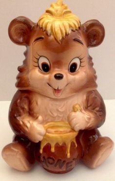 HONEY BEAR COOKIE JAR. Made in Japan By: Lefton
