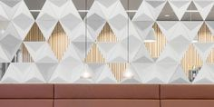 Combining the sound-absorbing conforming modules into creative partitions elicits a dynamic interplay of lines and shadows. Sound Absorbing, Design Language, Table Lamp, Ceiling Lights, Creative, Shadows, Home Decor, Abstract, Lamp Table