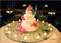DIY glass cake stand: wedding cake stand.