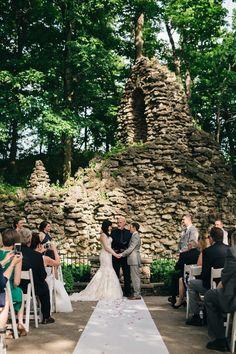 Beautiful wedding inspiration at Nazareth Hall in Toledo! // www.swatch-studios.com