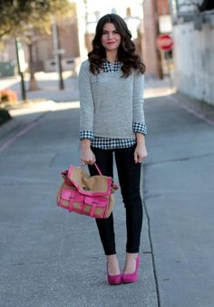 Gingham shirt, Gray sweater, dark Jeans, Pink shoes and bag - Casual Outfit Cute Fashion, Look Fashion, Fashion Beauty, Fashion Outfits, Fall Fashion, Basic Outfits, Casual Outfits, Cute Outfits, Smart Casual Outfit
