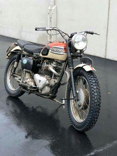 Classic Triumph Motorcycles, British Motorcycles, Vintage Motorcycles, Cars And Motorcycles, Motorcycle Baby, Motorcycle Posters, Classic Bikes, Classic Cars, Desert Sled