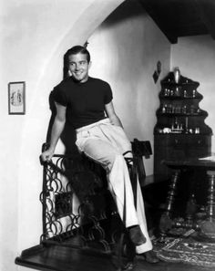 John Payne never took a bad picture. Hollywood Men, Golden Age Of Hollywood, Vintage Hollywood, Hollywood Glamour, Hollywood Stars, Classic Hollywood, Gloria Dehaven, John Payne, Alice Faye