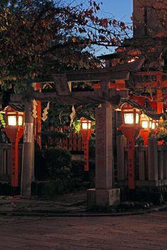 night view, Tatsumi Daimyojin, Gion Shirakawa, Kyoto