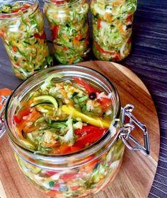 Sałatka z cukini Chutney, My Favorite Food, Favorite Recipes, Pots, Cooking Recipes, Healthy Recipes, Meals In A Jar, Polish Recipes, Tzatziki