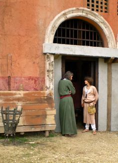Jonathan Mapes as Mordecai waiting with Eli Machover as Jonathan. Roman Mysteries season two, filmed at Boyana Studios in Sept 2007.