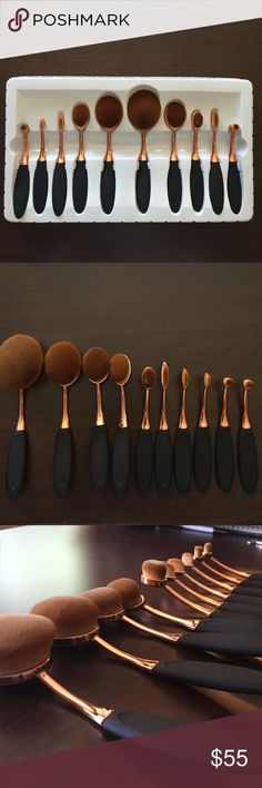 *SALE* LAST BOXED SET Oval Makeup brush set 10 piece boxed set of oval makeup brushes. Brushes are top quality and super soft. Handles are rose gold and black. Non branded. Bundle 3+ items for 20% off! Price FIRM unless bundled! Makeup Brushes & Tools