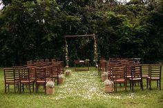 Arê & Barba - Casamento no Campo DIY. Com muitas referências lindas e muitos projetos de decoração feitos por eles, com a ajuda de amigos