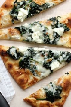 Flatbread Pizza with Spinach and Goat Cheese - Green Valley Kitchen Goats Cheese Flatbread, Goat Cheese Pizza, Spinach Pizza, Goat Cheese Recipes, Spinach And Cheese, Ricotta Pizza, Gluten Free Flatbread, Flatbread Pizza Recipes, Naan Pizza