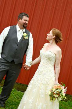 #michiganwedding #michiganweddings #Michigan #wedding #weddings www.capturedcreativity.net