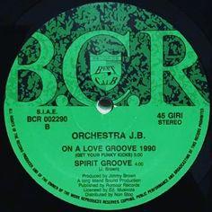 つ ORCHESTRA JB - ON A LOVE GROOVE 1990 なにをトチ狂ったのかこれ間違って売っちゃったかと思って超アセりました(Д) 自宅内段ボール箱から救出完了(ω)ゞ #orchestrajb #onalovegroove #groundbeat #rnb #アナログ #レコード #vinyl #music #musica #instamusic #instamusica #sound #instasound #12inch #ilovevinyl #vinylcollection #vinyljunkie #vinylcollector #vinylgram #vinyloftheday #instavinyl #lp #record #randb #vinyllover #musiclover #downtempo