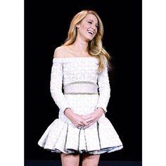#serenavanderwoodsen #blakelively #outfit #style #l'oreal - Blake Lively (@blakelivelyfanb)