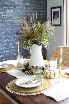 Blogger Stylin' Home Tours: Thanksgiving Edition Fall Thanksgiving Table Setting www.simplestylings.com