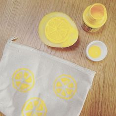 Projet citron en cours #projet #projetdiy #citron #lemon #yellow #sun #summer Diy, Yellow, Tableware, Dinnerware, Bricolage, Tablewares, Do It Yourself, Dishes, Place Settings