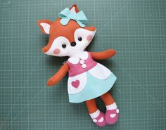 Diy Projects For Kids, Sewing Projects, Crafts For Kids, Animal Quilts, Animal Pillows, Rainbow Bedding, Fox Toys, Felt Banner, Plush Pattern