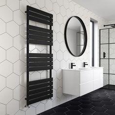 Ideas For Bathroom Black Towels Mirror Black Towel Rail, Black Towels, Bad Inspiration, Bathroom Inspiration, Bathroom Styling, Bathroom Interior Design, Modern Bathroom, Small Bathroom, Mirror Bathroom