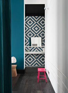 NOIR BLANC un style: A Paris, rue St Honoré, un appartement actuel et chic!