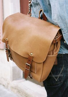 Postman Eclair leather bag / bodie and fou