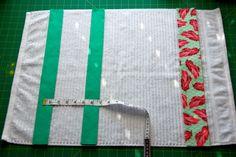Tutorial: Stay-put Kitchen Towel Sewing Hacks, Sewing Crafts, Sewing Projects, Craft Projects, Sewing Ideas, Craft Ideas, Kitchen Hand Towels, Dish Towels, Tea Towels