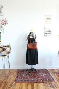 meeting dress black washed linen & mini duffle