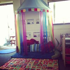 """This reading area looks really cosy and by using the """"tent"""" it makes it a define. This reading area looks really cosy and by using the """"tent"""" it makes it a defined area in the room. School Displays, Classroom Displays, Classroom Themes, Book Displays, Reception Classroom Ideas, Reading Centers, Reading Areas, Reading Tent, Reading Corner Classroom"""