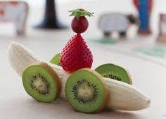 Resultado de imagen para animales y figuras con frutas