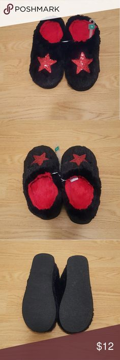 NWOT - FUN STAR FUZZY HOUSE SHOES - SZ - M Be a Rock Star in these cute fuzzy black and red house shoes with a red sequin star.   Slip on house shoes have a wedge heel and red lining.   Size Medium  Never worn with elastic connection and size hang tag. Shoes Slippers