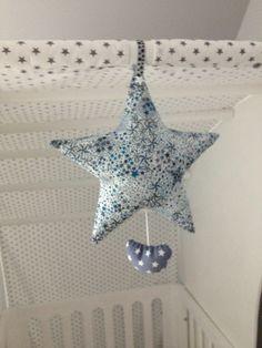 Mobile étoile et lune Liberty adelajda bleu - mobile musical - miiflore couture Mobile Musical, Diy Bebe, Liberty Print, Softies, Diy For Kids, Diy Crafts, Baby, Design, Sausages