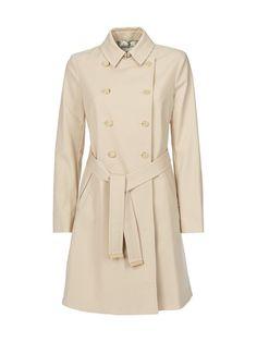 Ihana Madey-trenssi GJ27 ja muut kauniit Ted Baker -vaatteet löytyvät stockmann.com-verkkokaupasta. Tilaa omasi jo tänään!