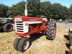 International Harvester 560