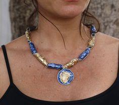 Upcycled necklace made of Nespresso coffee capsules por Pichuskadas