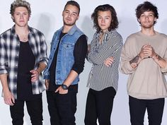 One Direction go against Zayn at TCA 2015 : Dolly