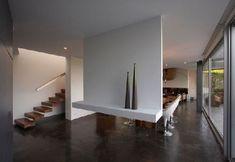 Een bijzondere, hangende scheidingswand #interieur