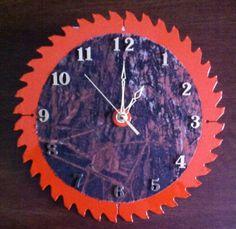 Camoe saw blade clock