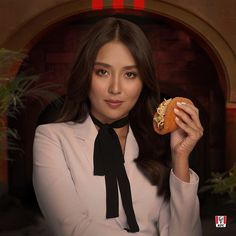 Kathryn Bernardo 🌟 Filipina Actress, Kathryn Bernardo, Kfc, Powerful Women, Dancer, Actresses, Model, Instagram, Fashion