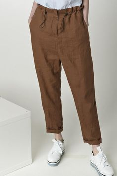 Linen pants with pockets loose linen pants tapered pants linen trousers chino pants harem pants. Fashion Pants, Fashion Outfits, Look Street Style, Sewing Pants, Pants For Women, Clothes For Women, Linen Pants Women, Trousers Women, Linen Trousers