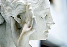 Statues, sculptures, and stone art etc. The Secret History, Bioshock, Greek Gods, Gods And Goddesses, Greek Mythology, Oeuvre D'art, Sculpting, Street Art, Stone
