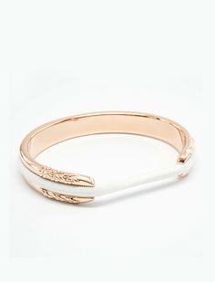 Headband holder and bracelet!! 10 Easy Gifts for the Folks Who Keep Your Whole Life Together via @PureWow