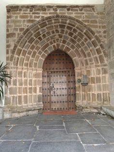 Portada de iglesia en Abaltzsketa