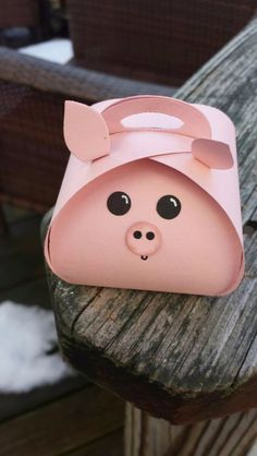 Easter Treat Boxes - my grandgirls eould love these Pig Crafts, Diy And Crafts, Paper Crafts, Pig Party, Farm Party, Cute Box, This Little Piggy, Easter Treats, Diy Box